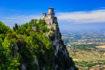 Incastonata tra la Romagna e le Marche, a pochi chilometri dalla riviera adriatica, la Repubblica di San Marino si estende su una superficie di appena 61 km.